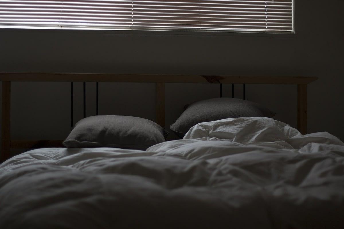 Un dialogo di Underworld tra Nick e sua moglie Marion, che avviene mentre i due sono nel letto e si stanno per addormentare